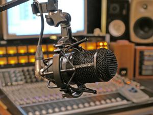 photo-1-M82-broadcast-boom300